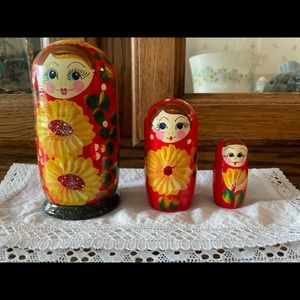 vintage Russian nesting dolls.